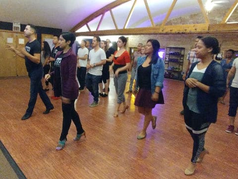 Beginner Salsa class chicago